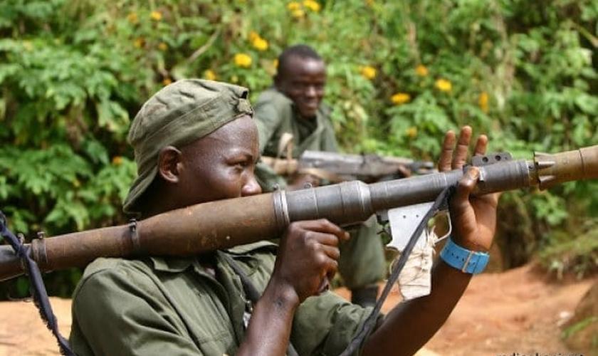 O grupo terrorista rebelde 'Forças Democráticas Aliadas Islâmicas' (ADF) jurou lealdade ao Estado Islâmico e afirmou que está focado em destruir igrejas no Congo. (Foto: All Africa)