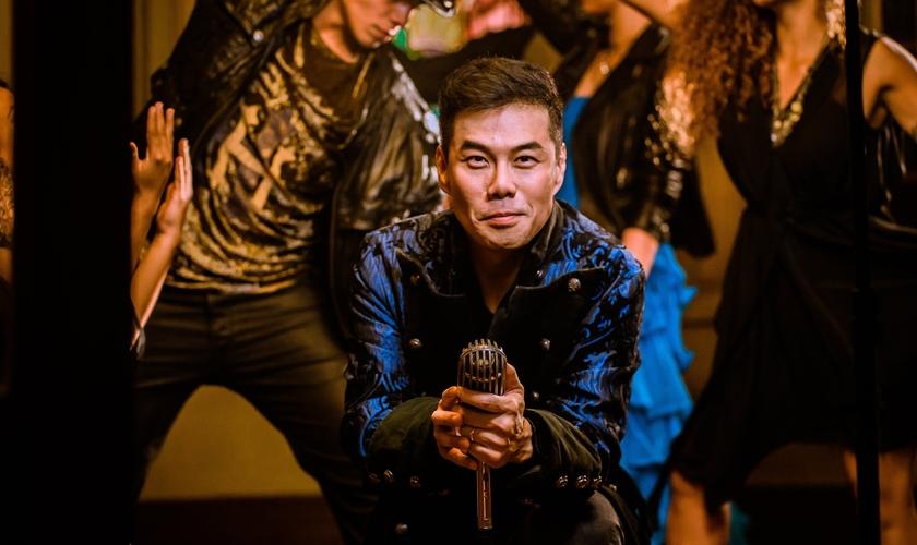 """Juliano Son está se preparando para lançar seu novo EP, """"Tudo Novo"""" pela Sony Music. (Foto: Divulgação)"""