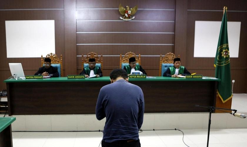 Imagem ilustrativa. Tribunal islâmico da província indonésia de Aceh. (Foto: Hotli Simanjuntak/EPA/Shutterstock)