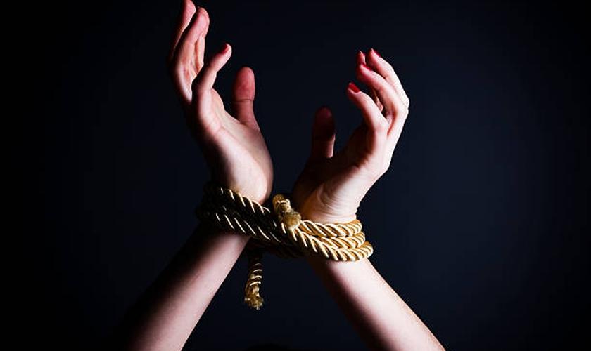 Dados indicam que maior parte das vítimas de tráfico humano é composta por mulheres e meninas. (Foto: Getty Images/iStockphoto)