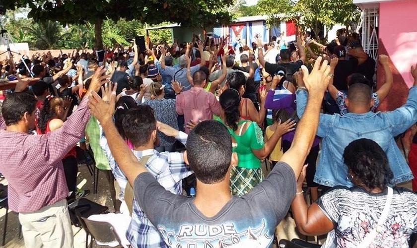 Cuba tem cercado cada vez mais igrejas evangélicas e pastores. (Foto: Believers)