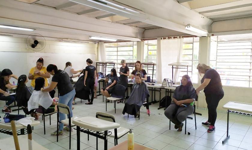O 6º ACAP ofereceu serviços gratuitos para moradores do bairro Jardim Amanda, em Hortolândia. (Foto: Guiame/Marcos Corrêa)