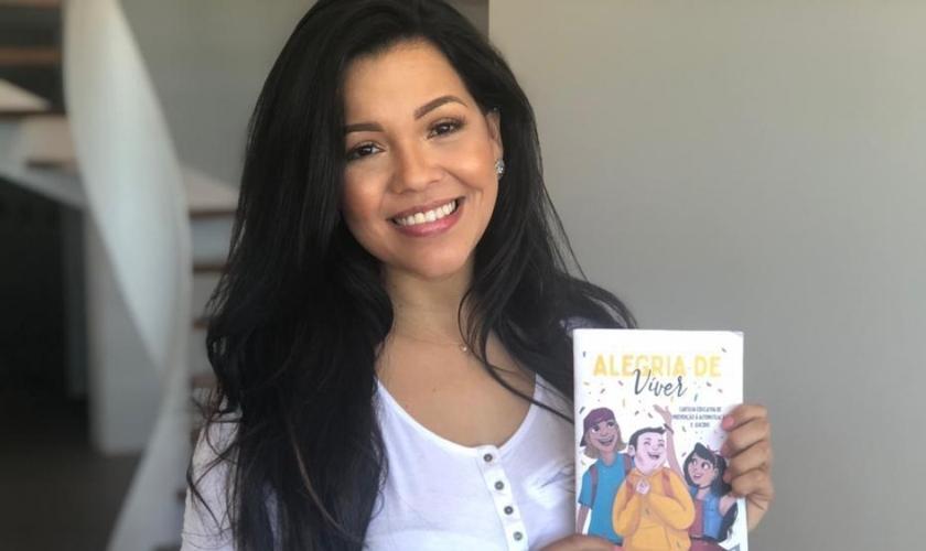 """Priscila Costa é vereadora pelo PRTB em Fortaleza e autora da cartilha """"Alegria de Viver"""". (Foto: Divulgação)"""