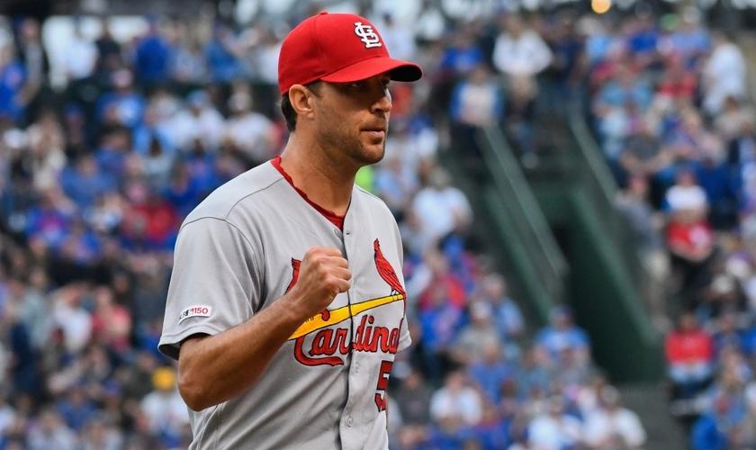 Adam Wainwright tem se destacado no Beisebol norte-americano e aproveitado essa plataforma para compartilhar sobre Jesus. (Foto: Sport Spectrum)
