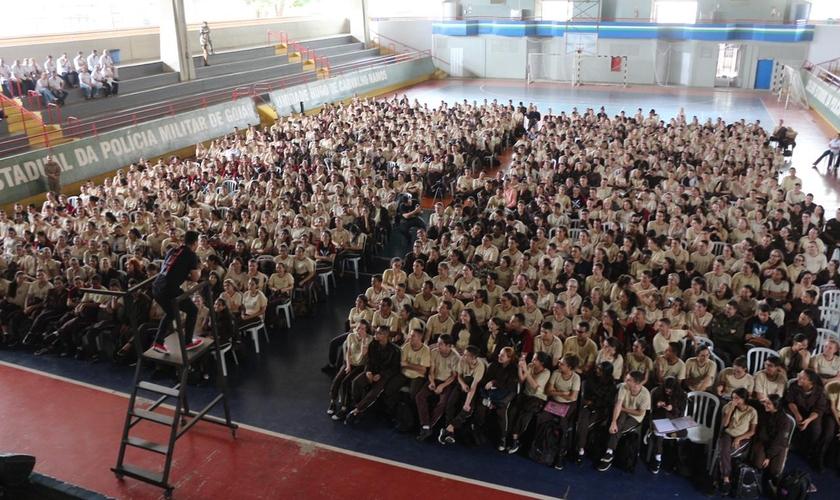 Fundado pelo pastor Guilherme Batista, o CEU é um movimento de evangelismo nas escolas. (Foto: Guilherme Batista)