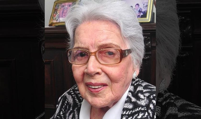 Aos 91 anos, Dyrce de Laponte Machado Brandão leu a Bíblia 89 vezes. (Foto: Arquivo Pessoal)