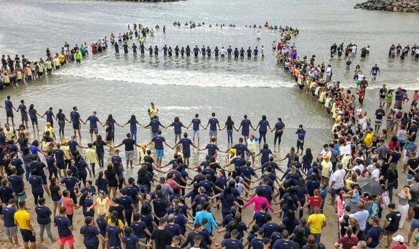 510 pessoas foram batizadas no Litoral Norte de Pernambuco. (Foto: Instagram/Pr. Arthur Pereira)