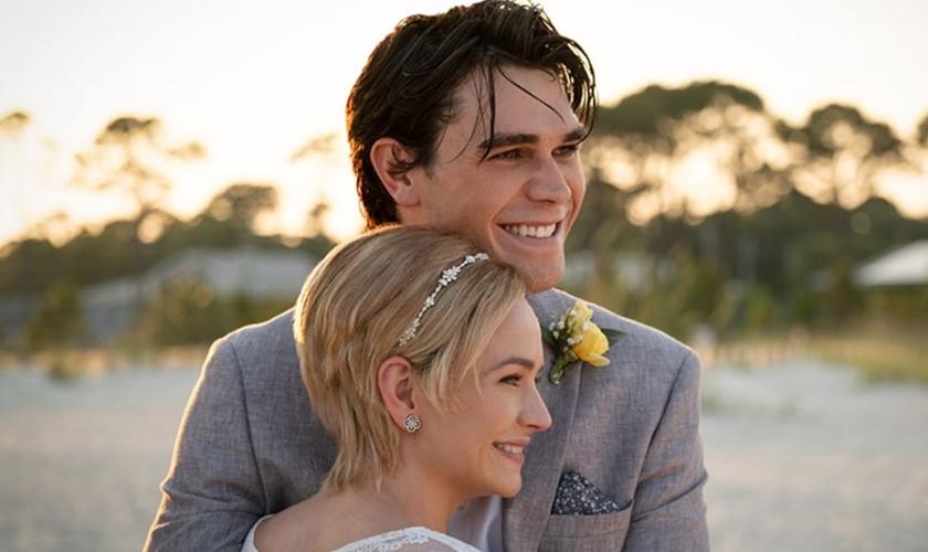"""O filme """"Enquanto Estivermos Juntos"""" conta a história de Jeremy Camp e sua primeira esposa, Melissa. (Foto: IndieWire)"""