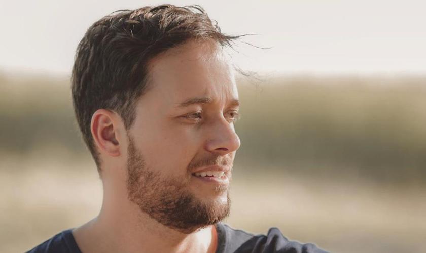 """André Valadão é pastor, compositor, cantor e está lançando seu novo EP """"Renovo"""". (Foto: Divulgação)"""