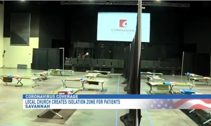 Ministério de Jovens do 'Christian Compassion Center' foi transformado em abrigo para pessoas com coronavírus. (Foto: Fox 28)