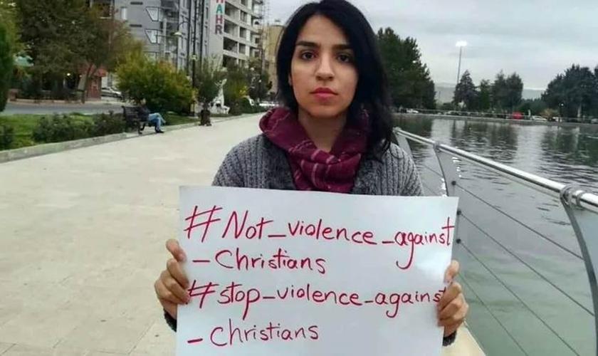 Mary Mohammadi é uma jovem cristã e ativista de direitos humanos no Irã. (Foto: Article 18)