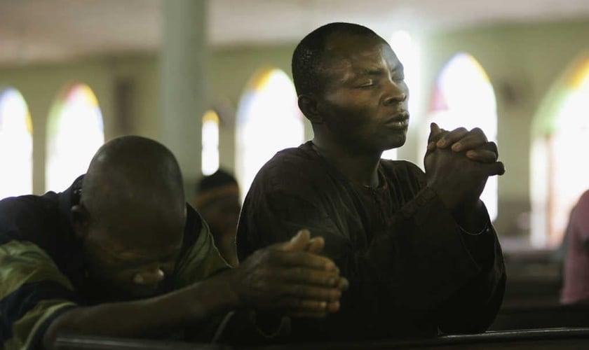 Cristãos têm sofrido perseguição ainda maior durante a pandemia do coronavírus na África. (Foto: Getty Images)