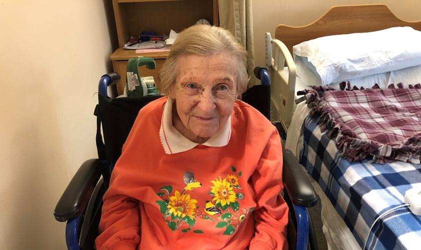 Rose Leigh-Manuel vive em um lar para idosos de Long Island, Nova York e destacou sua fé na vitória contra o coronavírus. (Foto: ABC7)