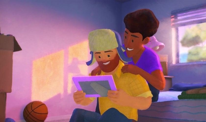 """Cena do desenho """"Out"""", produzido pela Pixar (Disney), que mostra um homossexual tentando se revelar aos seus pais. (Foto: Disney + / Reprodução)"""
