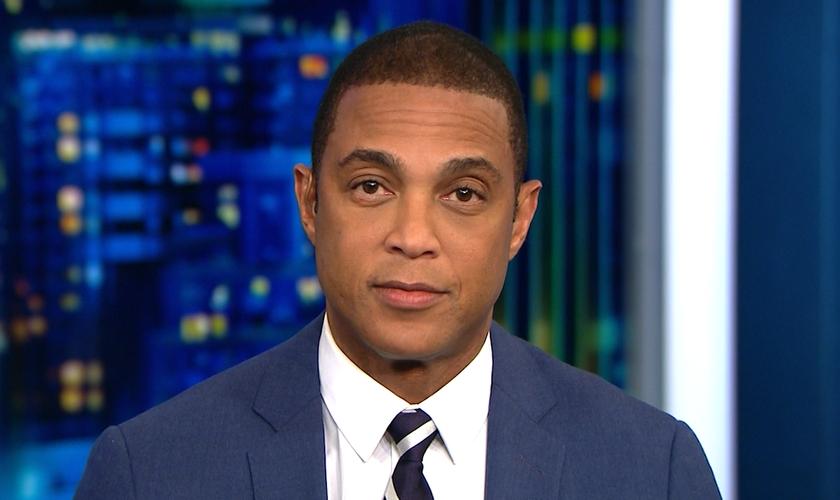 Don Lemon apresenta o programa 'CNN Tonight' na emissora dos EUA. (Imagem: CNN.com)