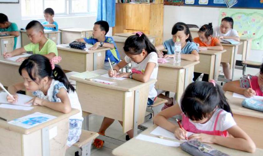 Escolas da China têm sido acusadas de 'lavagem cerebral' sobre as crianças. (Foto: China Aid)