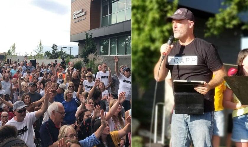 Pastor Ken Peters (direita) prega durante culto realizado ao lado de prédio da Planned Parenthood, em Spokane, Washington, EUA. (Foto: Christine Stickelmeyer/TCAPP)