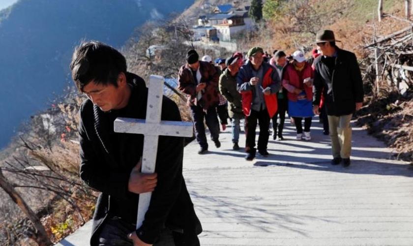 Cristãos têm sofrido repressão cada vez maior por parte do Partido Comunista na China. (Foto: Tyrone Siu/Reuters via CNS)