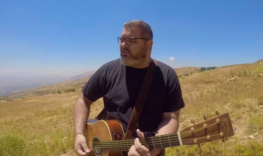 André Argente é pastor e líder do Ministério Valentes dessa Geração. Atualmente vive no Líbano, com sua família, onde atua como pastor e voluntário. (Imagem: Youtube / Reprodução)