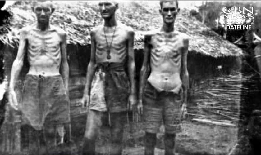 Prisioneiros em situações precárias no campo de trabalhos forçados em Mianmar. (Foto: Arquivo Pessoal)