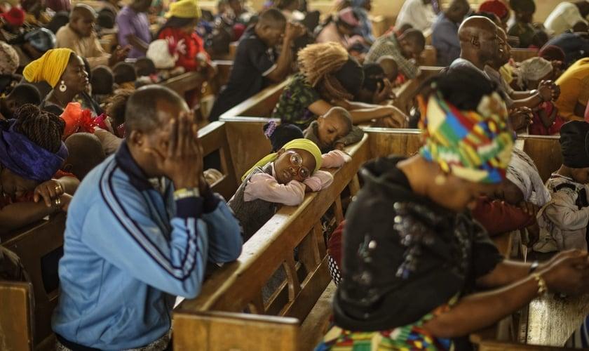 A violência contra cristãos na Nigéria já está sendo comparada a genocídio por alguns grupos. (Foto: AP Photo / Ben Curtis)