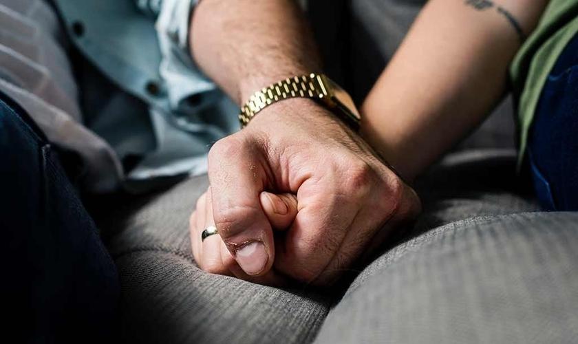 Imagem ilustrativa. Pesquisa mostra que muitos cristãos acham o sexo casual aceitável. (Foto: Reprodução/BCNMetropolitan)