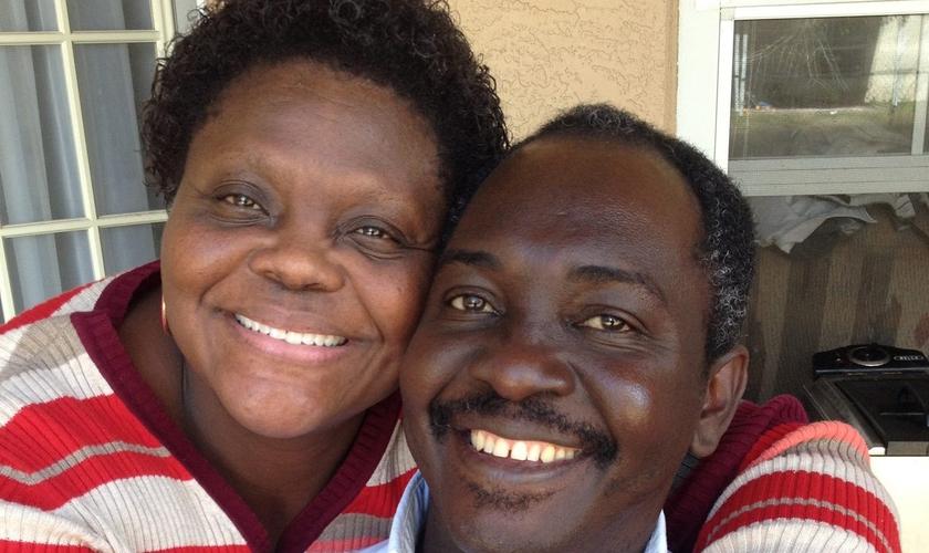 Pastor Jean Phillippe-Quetant e sua esposa, Erna Plancher-Quetant. (Foto: Arquivo pessoal)