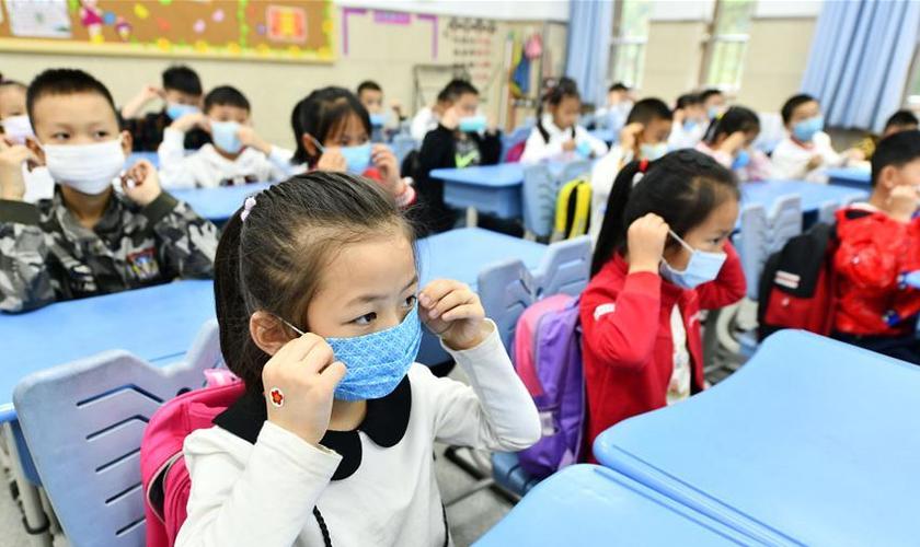Crianças que estudam em escolas da China sofrem repressão e bullying do Partido Comunista se tiverem sua fé descoberta. (Foto: CGTN)