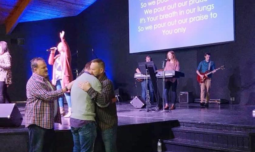 Uma pequena igreja de 75 membros nos EUA testemunhou a cura de surdos. (Foto: LifeChurch)