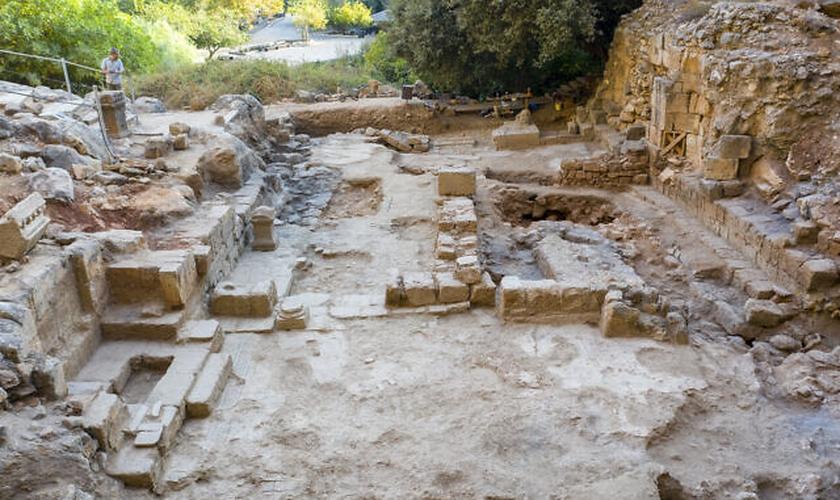 Igreja bizantina de cerca de 400 d.C. escavada por arqueólogos no norte de Israel. (Foto: Yaniv Cohen)