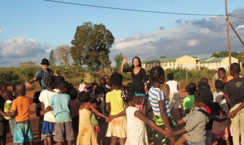 Gabrielli Azevedo se tornou missionária após encontro com Deus. (Foto: Igreja do Nazareno Central de Campinas)