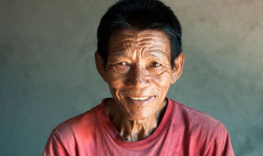 Imagem ilustrativa. Morador de uma aldeia na Ásia foi zombado por seus vizinhos por buscar cura na igreja. (Foto: Gospel For Asia)