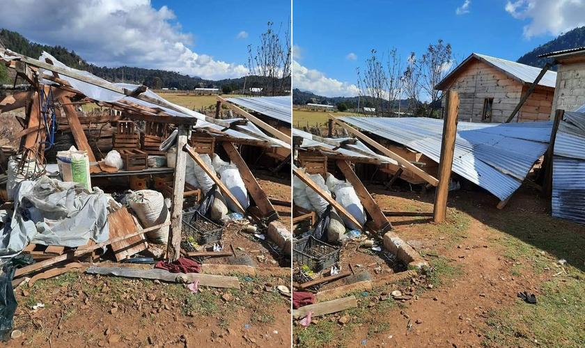 Casas de evangélicos foram destruídas no sul do México. (Foto:  Reprodução/Diario de Chiapas)