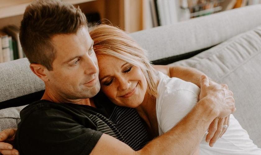 Jeremy e Adrienne Camp estão casados há mais de 17 anos. (Foto: Instagram/Jeremy Camp)