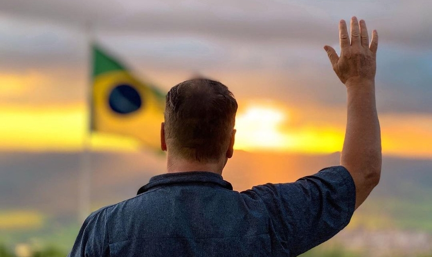 O pastor Joel Engel convida líderes e intercessores para uma campanha de oração pelo Brasil. (Foto: Ministério Engel)
