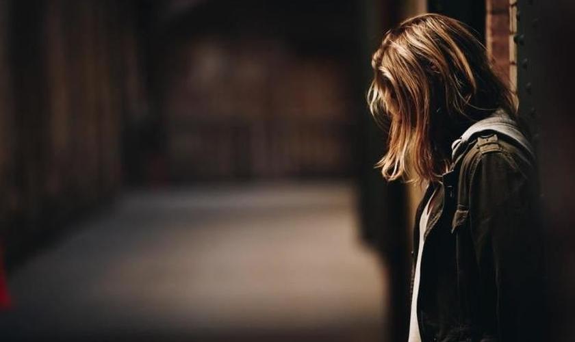 Nos EUA, uma em cada cinco mulheres sofreram abuso sexual, segundo os Centros de Controle e Prevenção de Doenças. (Foto: Unsplash / Eric Ward).