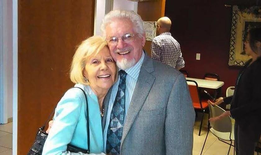 Bill e Esther Iinisky foram missionários no Oriente Médio e no Caribe. (Foto: Arquivo pessoal).