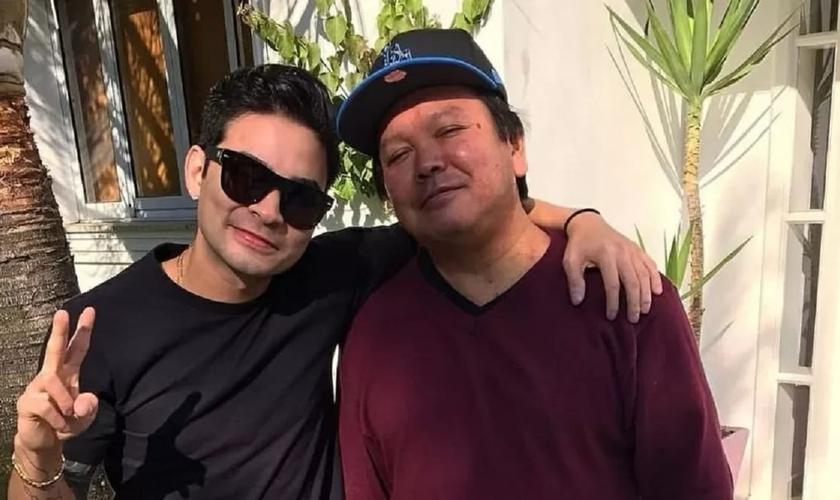 O pai do apresentador Yudi faleceu por complicações da Covid-19 nesta quarta-feira. (Foto: Reprodução).