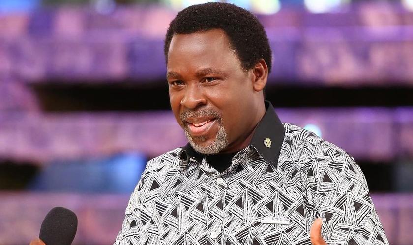 O pastor nigeriano morreu aos 57 anos no sábado (5). A causa da morte não foi informada. (Foto: TB Joshua/Instagram)