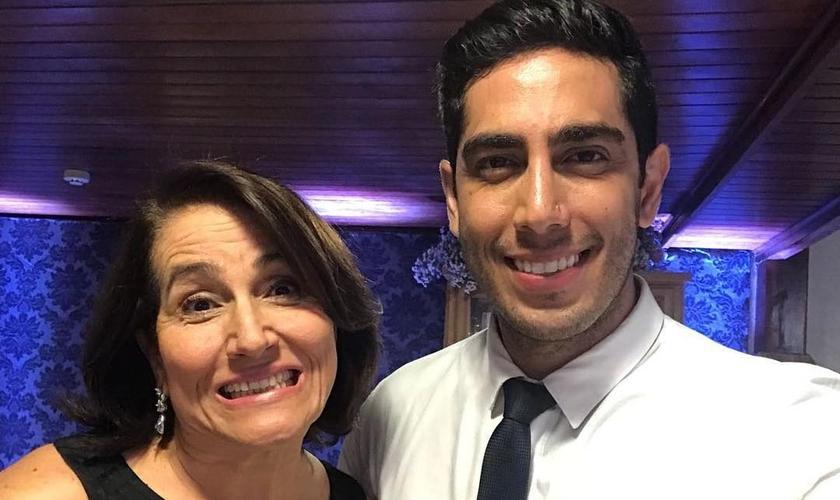 Mãe do humorista Jonathan Nemer completa 90 dias de internação. (Foto: Instagram/Sara Nemer)