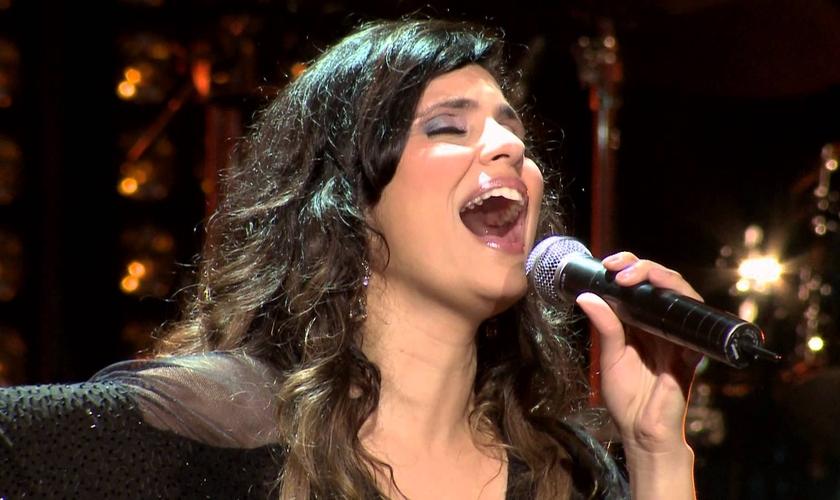 Aline Barros é vencedora de seis Grammys, com mais de 7 milhões de discos vendidos em 20 anos de carreira.