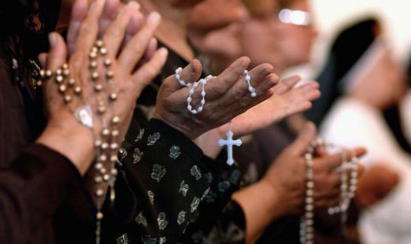 O número de sacerdotes católicos tem sofrido um grande declínio ao longo dos anos.