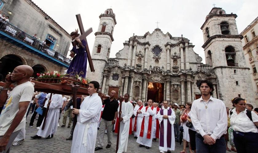 Mais de 280 mil residentes alemães deixaram a Igreja Católica em 2014, 39 mil a mais do que no ano anterior.