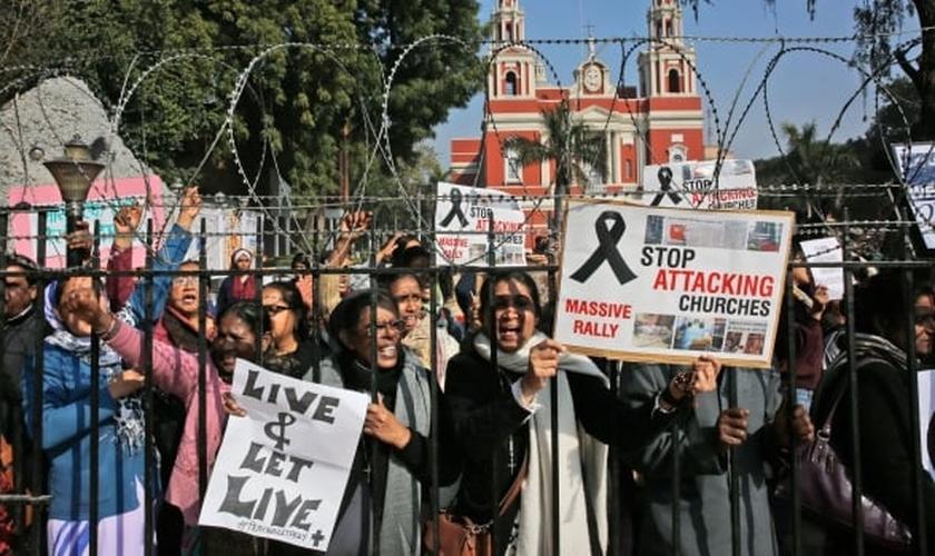 Cristãos indianos em manifestação contra ataques à igrejas. (Reprodução/cp24)
