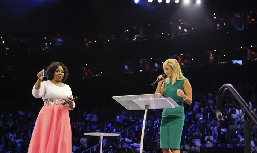 Alguns cristãos se dividem quando o assunto é 'mulheres na liderança de ministérios'.