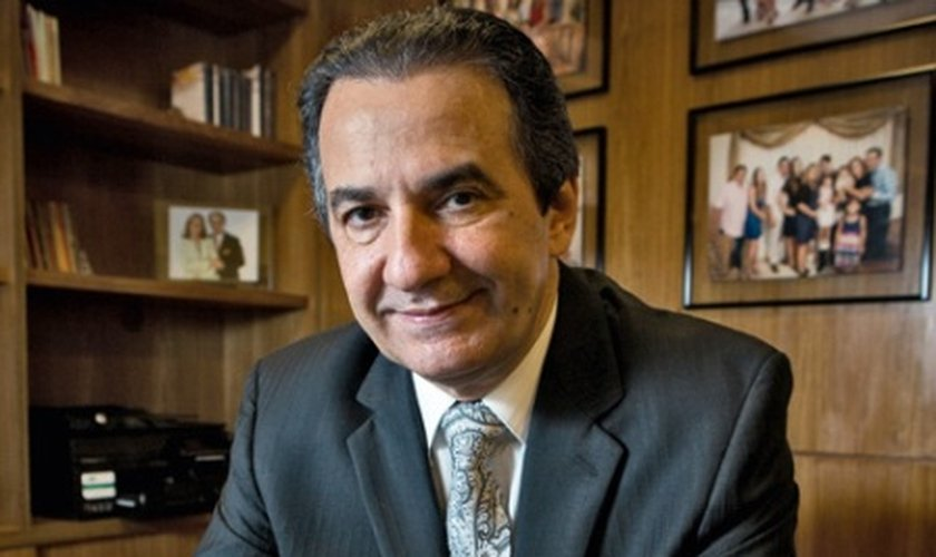 Silas Malafaia é líder da Assembleia de Deus Vitória em Cristo e apresenta um programa de televisão semana com espaço em canais de TV, como Band e RedeTV.