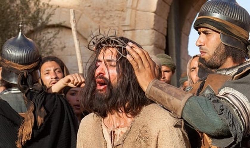 A série tem chamado a atenção pela grande diversidade étnica em seu elenco e também pelo fato do ator que interpreta Jesus ter origens muçulmanas.