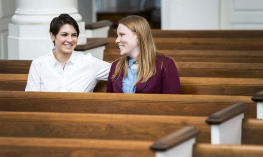 Kaci Clark-Porter (à esquerda) e Holly. (Reprodução/ Delaware Online)
