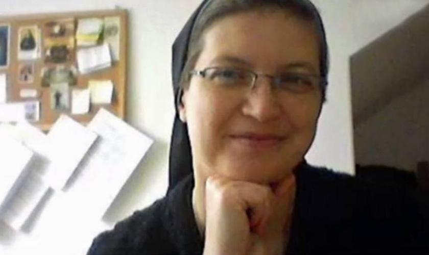 Irmã Ludovita, acusada de furar a mão de um estudante com uma agulha para mostrar a ele como Jesus sofreu. (Europics/ CEN)