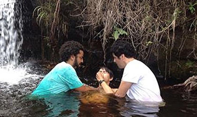 Batismo do jovem tailandês Toto